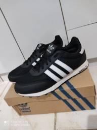 Tênis Adidas 42