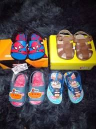 Sandálias menino a partir de $20