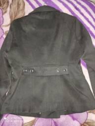 Casaco de lã preto