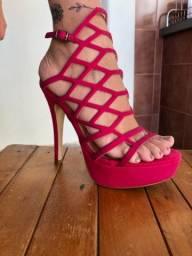 Sandália de salto rosa