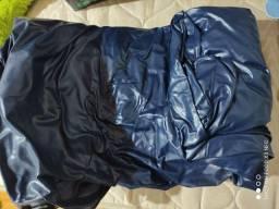 Colchão inflável e barraca camuflada