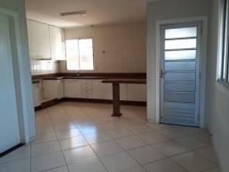 Aluga-se uma Exelente casa no Edgar Pereira!