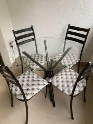 Mesa Redonda de Vidro com 4 Cadeiras