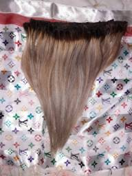 Mega Hair 30 Centímetros Cabelo Natural Com luzes R$300,00