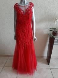 Vende-se vestido de festa 150,00.