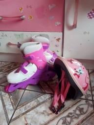 """Patins Traxart Freestyle Revolt + um capacete de proteção """"infantil"""""""
