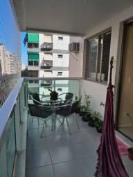 Apt, 3qts com varandão para alugar com piscina e infraestrutura em Copacabana