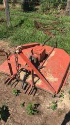 Roçadeira Lavrale 1,10 mtrs par trator agrale 4100/4200