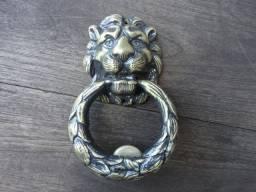 Batedores de porta em bronze