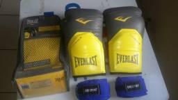 Luva de Boxe/Muay Thai Everlast Pro Style - 14 oz - Preto e Cinza