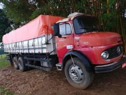 Vendo caminhão graneleiro 11/13 com motor 366 cadastrado no documento - 1983