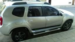 Vendo ou troco Renault Duster 1.6 carro bem cuidado e baixo km - 2013