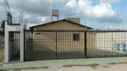 Linda Casa de dois quartos com varanda e quintal R$ 320 no PQ Guadalajara