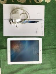 IPad 3 - Wi-Fi - Celular - 16GB