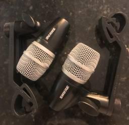 Vendo 2 Microfones Shure PG56 c/ Clamp p/ Caixa, Tom, Surdo e Cajon - SOMENTE VENDA!!!