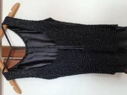 Blusa preta com aplicações