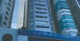 Apartamento Mobiliado, equipado e decorado 1 Vagas de garagem Área privativa