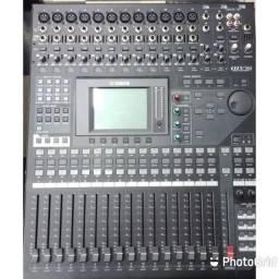 Mesa de som Yamaha 01V96i...