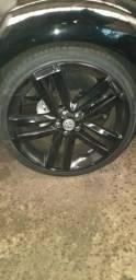 Vendo jogo de rodas aro 20 com pneus novos.