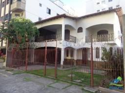 Anual-Casa c/ 5 quartos sendo 2 suítes , Churrasqueira e 3 GAR.