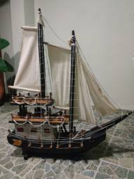Exclusiva Luminária em formato de barco