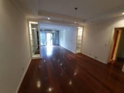 Apartamento 4 quartos 1 suíte com armários 3 vagas 2 por andar 160 m²