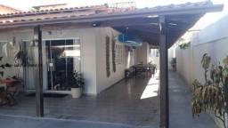 Centro de Rio das Ostras, Casa Plana + 2 quitinetes, 243m2, Terreno 360m2, 4 vagas