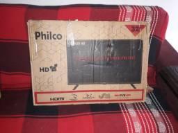 TV PHILCO 32 polegadas na caixa