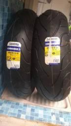 Par de pneus originais de Harley Fatboy