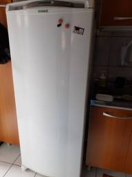 Geladeira Consul FrostFree 300 litros