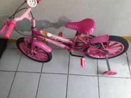 Vendo bicicleta infantil feminina da Barbie.