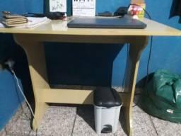 Mesa para Computador/Estudos