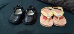Vende-se sapatinhos e protetor de berço