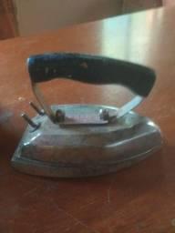 Ferros de passar antigo, 2 peças