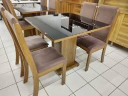 Mesa com 4 Cadeiras 100% MDF. Tampo de vidro