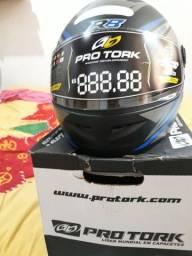 Vendo capacete esportivo