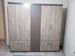 Guarda-roupa casal 5 portas/ 4 gavetas