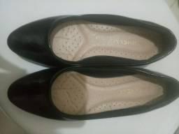 Sapatilha preta tamanho 35 forma pequena