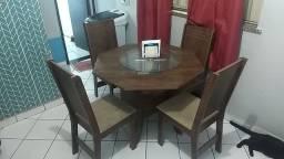 Mesa semi nova com 4 cadeiras