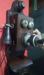 Antigo Telefone de Parede
