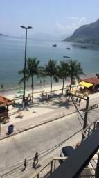 Alugo apartamento em prédio frente ao mar em Muriqui