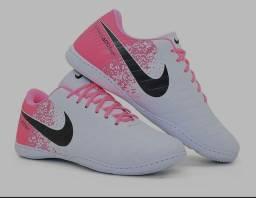 Chuteira tênis Nike nova