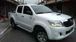 Toyota Hilux 3.0 Std Cab. Dupla 4x4 4p - 2014