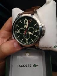 86ea686d85f Relógio Lacoste na caixa