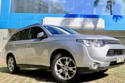 Mitsubishi Outlander 59.500 km - como Zero km, preço à vista, SEM TROCA - 2014