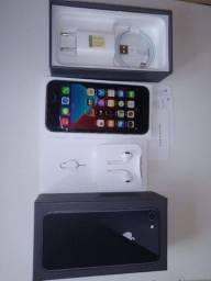 iPhone 8 cinza espacial impecável.pego troca!
