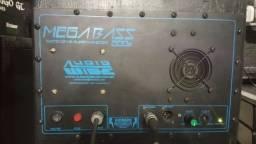 Amplificador ativador para caixas sub