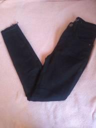 Calça jeans preta (34)