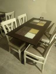 Lote de Mesas e cadeiras decoradas