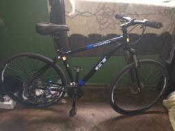 Bicicleta GT especial aro 29